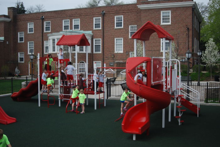 Kids playground system that focuses on challenging, yet fun events