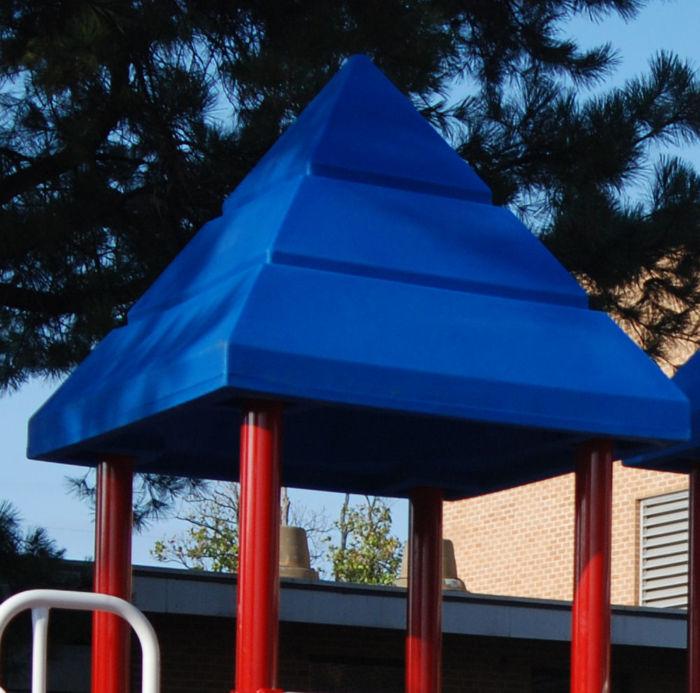 Pyramid Roof for Plastic Decks