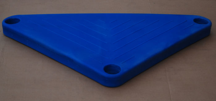 Triangle Molded Polyethylene Deck